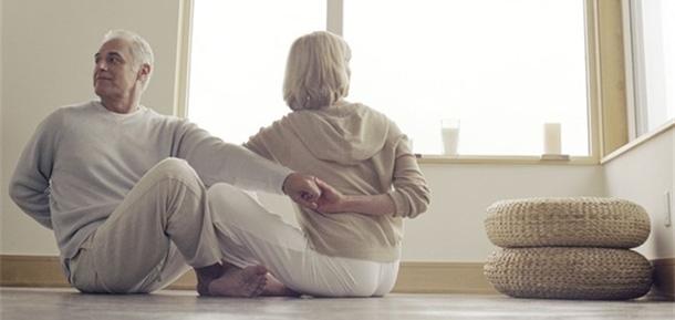 El yoga puede ayudar a aliviar los síntomas de la menopausia 989fb0354be1